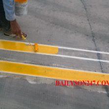 Thi công sơn kẻ vạch bãi đậu xe