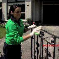 Cách cạo sơn cửa sắt đơn giản và hiệu quả